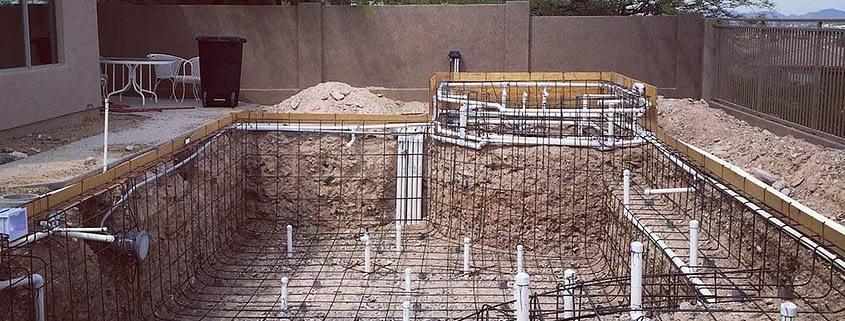 building pool in the fall season